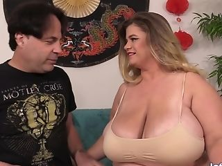 Fat Cougar Hayley Jane Delights Meatpipe With Her Massive Tits And Hairy Honeypot