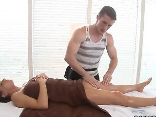Fancy Oil Rubbin' Rubdown Session Of Rachel Roxxx Exposing Her Bald Honeypot To The Massagist