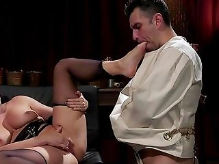 Ryan Keely Pegs Her Slaveboy And Gets Her Trimmed Cootchie Slurped