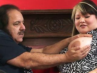Fat Asian Hoe Kelly Shibari Lets Older Dude Ron Jeremy Gets Her Twat Finger-tickled