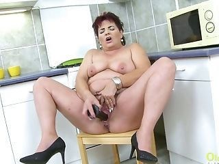 Matures Chubby Oldie Eva Jayne Has A Fuck Stick To Pet Her Old Cunt