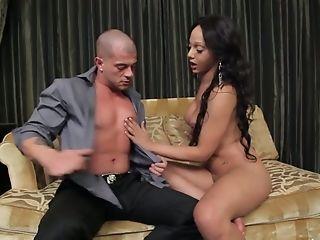 Inviting Tranny Sunshyne Monroe Gives Good Fellatio To Horny Customer