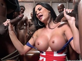 A Lot Of Bangers Grab Jasmine Jae And Wreck Her Beef Whistle-thirsty Fuck Holes