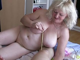Two Matures Ladies Are Attempting Indeed Hard To Please This Stick