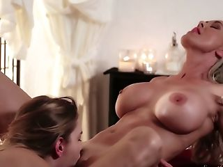 Fucking Hot Seductress Kenna James Is Tonguing Humid Vagina Of Inviting Masseuse