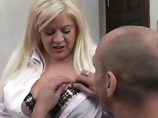 Big Bumpers Blonde Pleases Her Chief