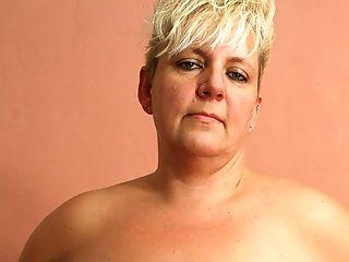 Blonde Matures Nicole Getting Soaking Moist